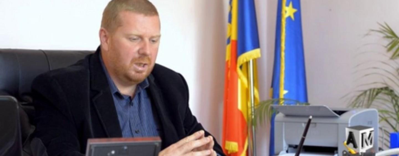 Lojigan acuză: Domeniul Public a angajat doi consilieri locali şi fiul unuia dintre ei