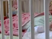Serviciile sociale caută  asistenţi maternali pentru copii abandonaţi