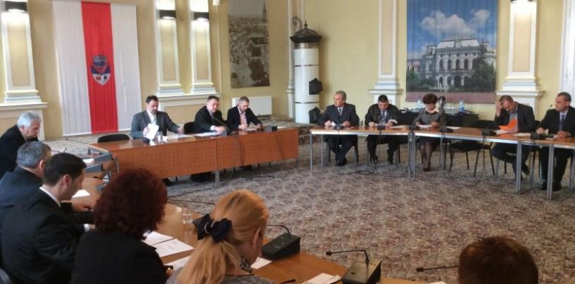 Consilierii împart banii împrumutaţi. 3,9 milioane de lei merg la drumuri