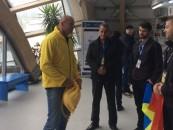 Bogdan Stelea a oferit mingi de fotbal turiștilor din Salină