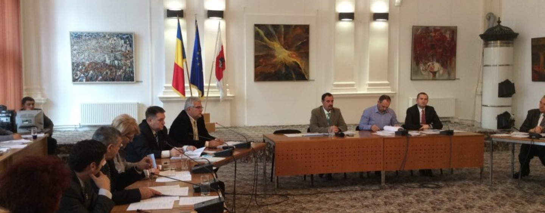 Taxele pe 2016. Scutirile populiste ale Consiliului Local: mașinile hibrid au reducere de 95%