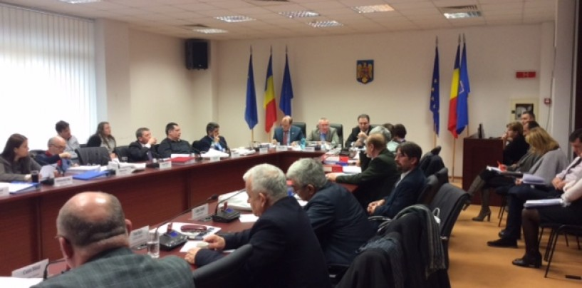 Consiliul Județan: Societățile subordonate au prezentat bugete incomplete. Banii pentru drumuri au rămas la mica împărțeală
