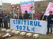 Protest al tinerilor pentru reabilitarea drumului Turda-Petrești