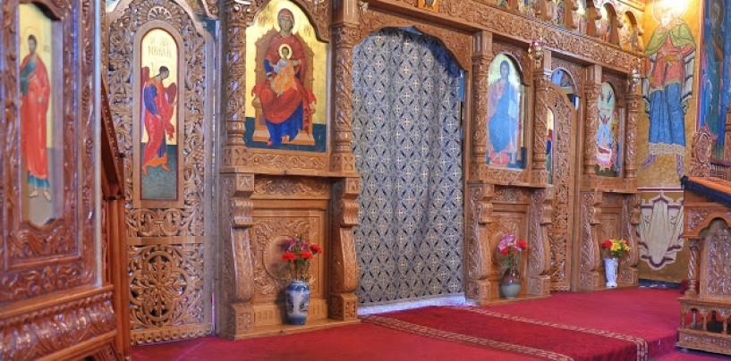 Patriarhia despre evacuarea din biserici: bărbații prin altar, femeile pe ușile principale