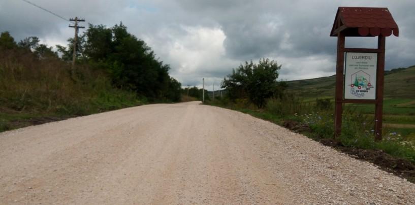Un drum județean se pregătește de asfaltare