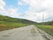 Primarul din Luna vrea asfalt. Consiliul Județean a anunțat plombări de drumuri