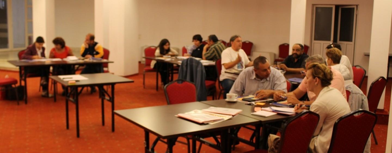 Liderii şi experţii romi, instruiţi de Consiliul Judeţean în cadrul unui proiect european