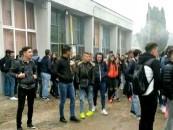 Elevii Colegiului Tehnic din Turda primiti cu caldură după proteste