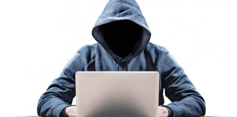 Scenariu desprins din filme: 11 hackeri luați de mascați