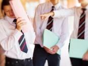 Abuzuri legate de purtarea uniformelor sesizate de Consiliul Național al Elevilor
