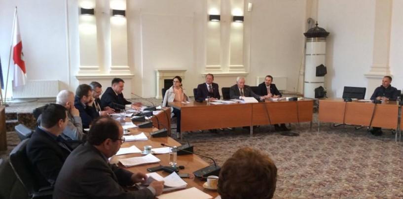 PSD Turda: PNL încearcă manipularea turdenilor! PNL: Turdenii trebuiau întrebați unde să le fie  cheltuiți banii