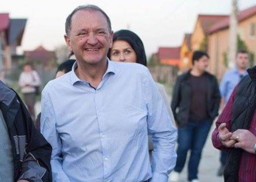 PNL l-a convins pe primarul Cristian Matei că e bine să majoreze bursele elevilor