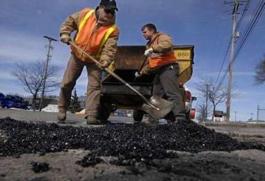"""Guvernul a alocat peste 22 de milioane pentru asfaltările din """"Cartierul Industrial"""""""