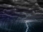 Furtuni și ploi în toată țara