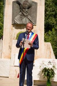 Primarul Cristian Matei caută soluții pentru reducerea emisiilor de Co2 de la Mormântul lui Mihai Viteazu
