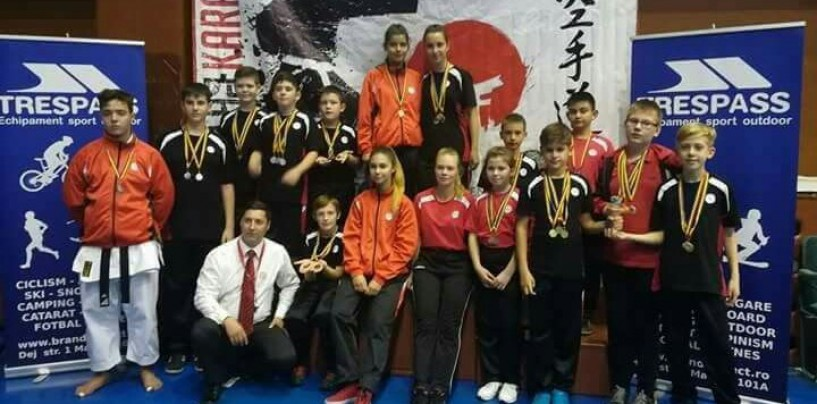 Karatiștii turdeni au adus 10 medalii de aur acasă