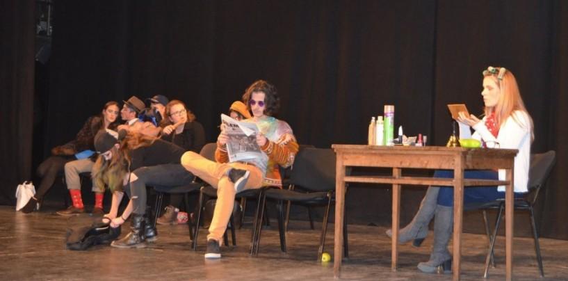Cursurile de teatru ale elevilor finalizate cu spectacole pline de succes