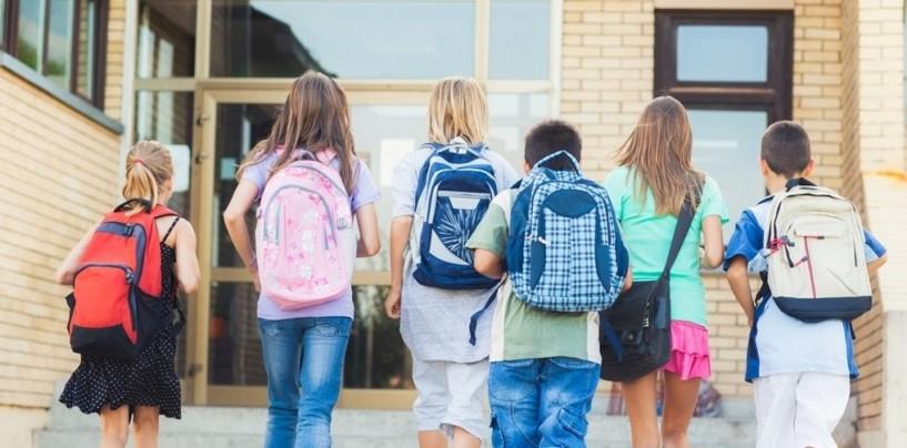 Elevii şi preşcolarii intră în vacanţa intersemestrială