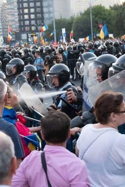 Primul Ministru crede că s-a urmărit deturnarea unui protest civic. A cerut SRI-ului un raport complet