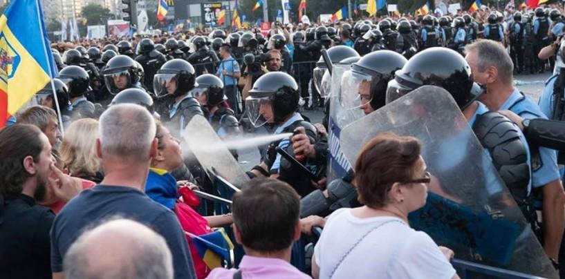 """Centrul pentru Jurnalism Independent: Jandarmeria nu au voie să """"se p*șe"""" pe legitimația de jurnalist"""