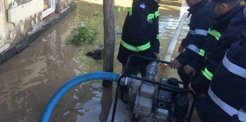 Inundații fără victime la Viișoara