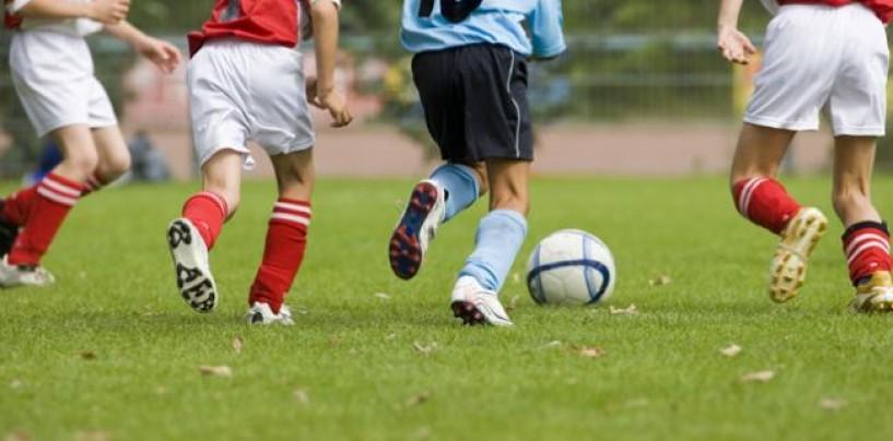 Fotbal pe banii părinților. Se alocă sute de mii de la buget, dar  părinții sunt puși la plată