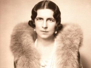 Regina-mamă Elena a României a luptat pentru stoparea deportărilor evreilor și romilor