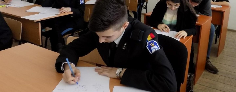 """Centrul Militar recrutează elevi de liceu pentru Colegiul Naţional Militar """"A.I. Cuza"""" Constanţa."""