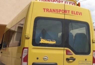 """""""Debarcarea elevilor din microbus a fost o greșeală. Am modificat regulamentul școlar"""", spune directoarea școlii  Avram Iancu din C.Turzii"""