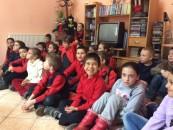Prietenii c�rții: Elevi de la �coala Andrei �aguna în vizit� la Biblioteca Municipal�