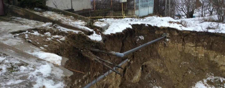 Senatorul Cordoș solicit� bani pentru familiile afectate de alunec�rile de teren