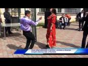 Ziua Romilor:Discursuri și gulaș pentru oficialit�ți și invitați, l�utari și muzic� pentru restul
