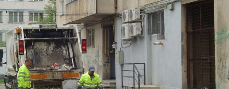 Prival le cere turdenilor să depoziteze deșeurile în saci menajeri
