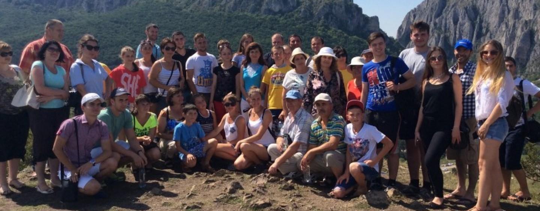 Un grup de români din Republica Moldova a vizitat Cheile Turzii