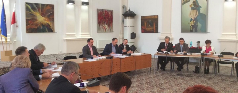Asociația T9 îi cere primarului să supună bugetul orașului dezbaterii publice