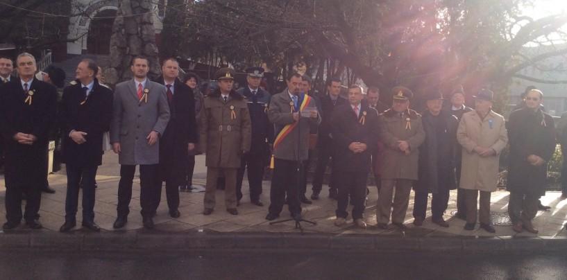 Peste 200 de persoane la ceremonia dedicată Zilei Naționale