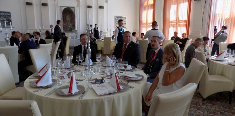 Primire elegantă şi fastuoasă a delegaţiilor străine invitate la Zilele Municipiului Turda
