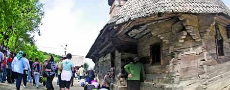 Ambulanțe, SMURD și protecție împotriva incendiilor la mănăstirea Nicula