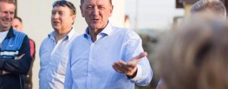Primarul luat la rost în Colonia de Ciment. A fost criticat pentru promisiuni neîmplinite