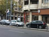 Guvernul a aprobat ridicarea maşinilor parcate pe trotuare sau staţionate neregulamentar