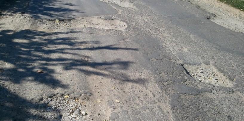 Cartierele Turzii, în plin proces de asfaltare!