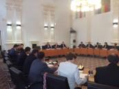 Secretele din Primăria Turda.  Au propus un contract confidențial dar aprobat în ședință publică