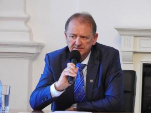 Institutii publice din subordinea primarului Cristian Matei au aplicat amenzi consecutive după ce fiul acestuia ar fi amenințat cu plângeri și sesizări la Primărie