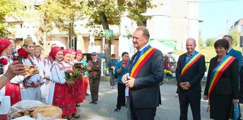 Primăria orgnizează un festival de folclor în pandemie