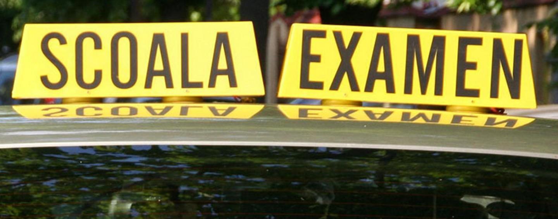 Examinatorii auto acuzați de lene. Elevi ai școlilor de șoferi nemulțumiți că au rămas ne-examinați