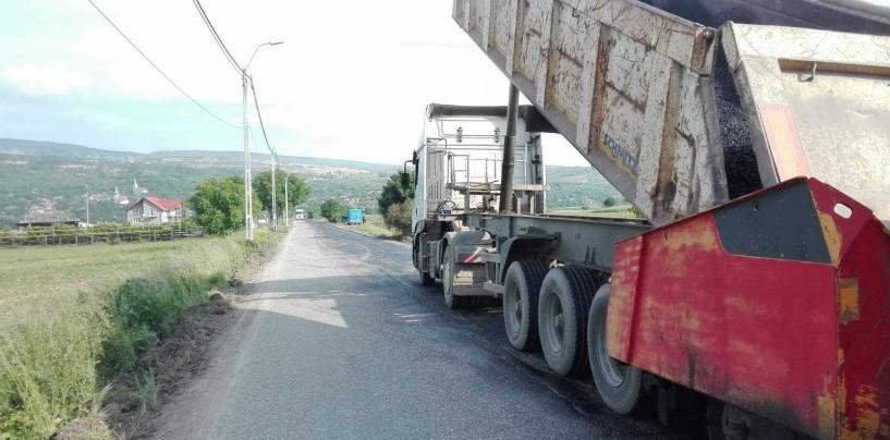 Se asfalteaza drumul spre Cheile Turzii