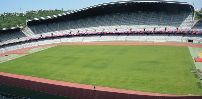 Generaţia de aur a fotbalului românesc şi legendele Barcelonei joacă sâmbătă în Cluj