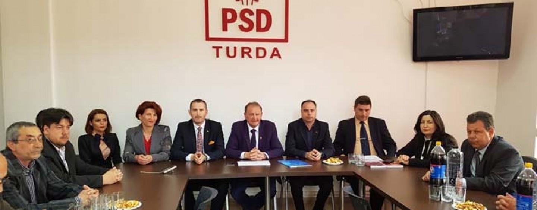 Au plecat cu televizorul. Lupta din PSD Turda continuă cu evacuarea sediului de partid
